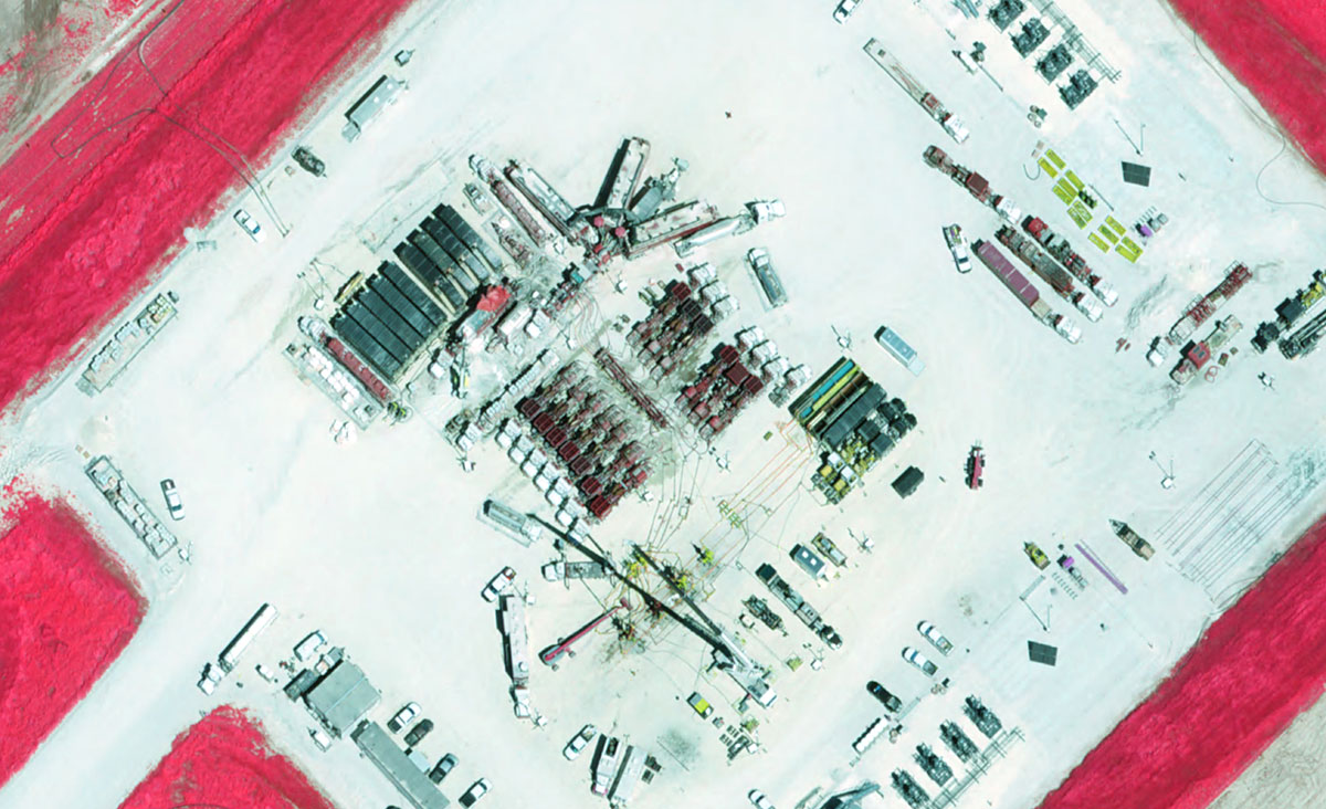 Color infra red of Oil Gas Extraction